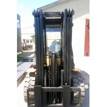 Вилочный погрузчик CATERPILLAR DP40K 2005 б/у