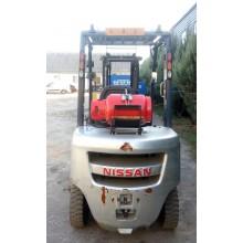 Вилочный погрузчик NISSAN P1F2A25D-2 2012 б/у
